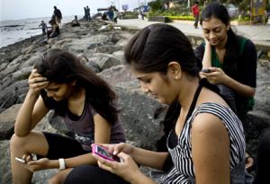 Die Jugend fliegt auf Smartphones