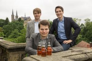Gründer Christian Klemenz (Mitte) mit seinen beiden deutschen Mitgründern Thies Dibbern (links) und Vincent Osterloh (rechts)